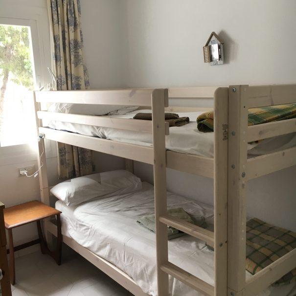 Schlafzimmer klein 1