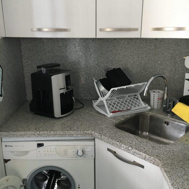 Vollausgestattete Küche 1